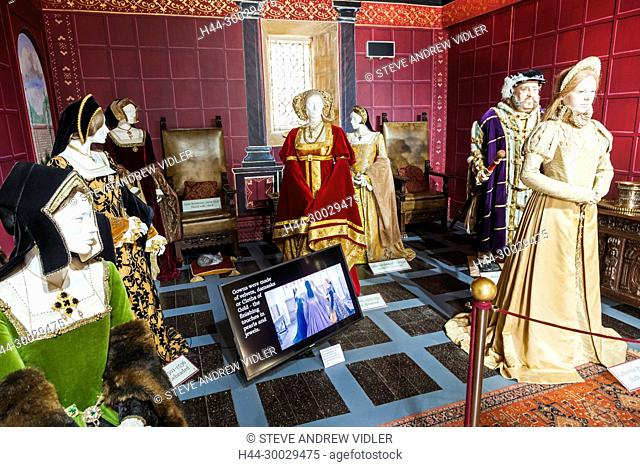 England, Cotswolds, Gloucestershire, Winchcombe, Sudeley Castle, Exhibit of Henry VIII and His Wives in Period Costume