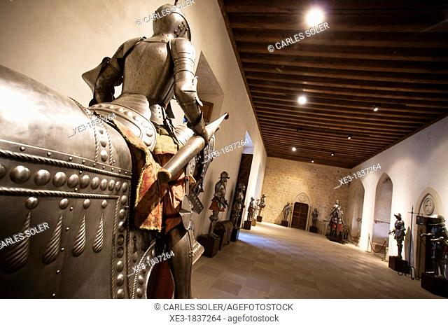 Caballero, Sala de la Galera, Alcázar de Segovia
