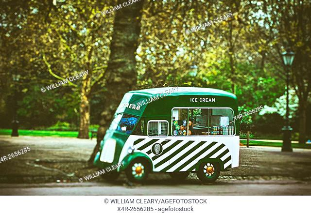 Ice cream van, Hyde Park, London, England, UK