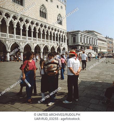 Der Dogenpalast in Venedig, Italien 1980er Jahre. Doge's Palace in Venice, Italy 1980s