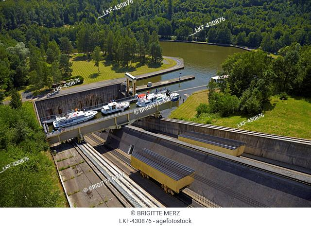 Houseboat, Inclined Slope of St Louis Arzviller, 44656m, Canal de la Marne au Rhin, Houseboat, Moselle, Region Alsace Lorraine, France, Europe