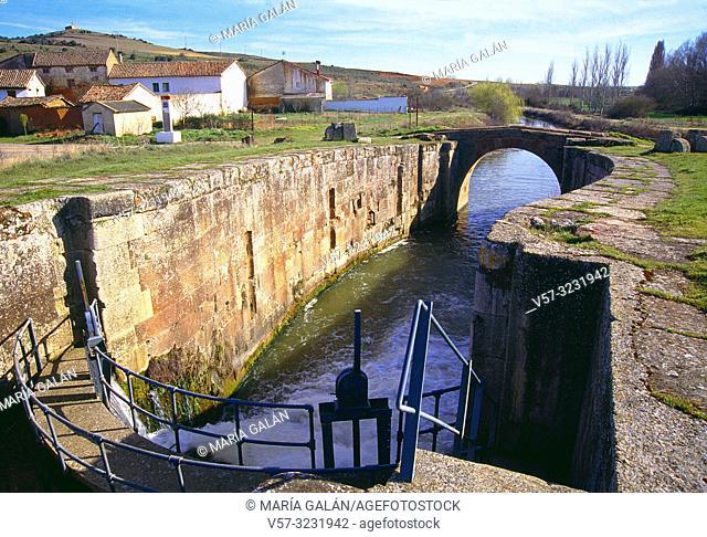 Canal de castilla. Alar del Rey, Palencia province, Castilla Leon, Spain
