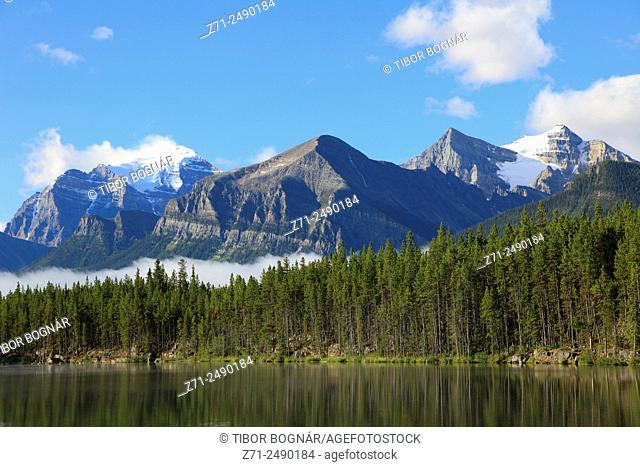 Canada, Alberta, Banff National Park, Herbert Lake,