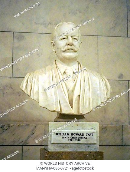 Marble bust of William Howard Taft (1857-1930) former President of the United States and Chief Justice of the Supreme Court. Dated 20th Century