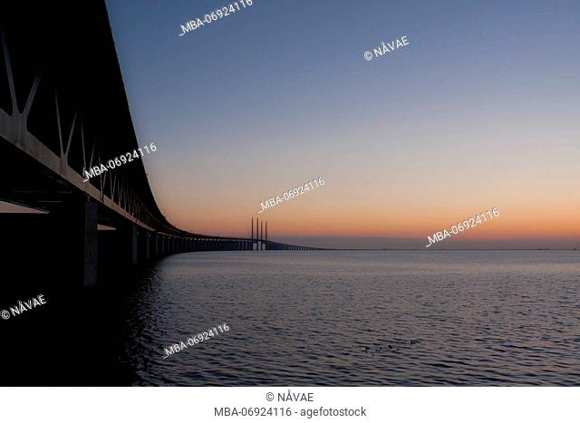 Öresund bridge at dusk