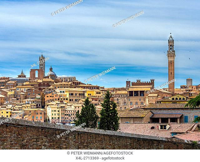 Cityscape with the Duomo and La Torre del Mangia, Siena, Tuscany, Italy, Europe
