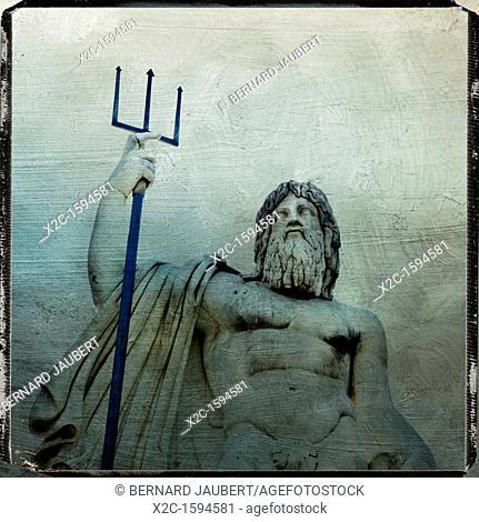 Neptune statue, Piazza del Popolo, textured, Rome, Italy, Europe