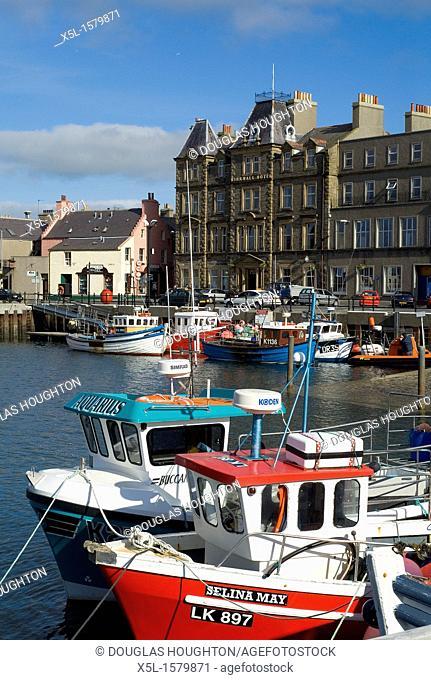 Kirkwall harbour KIRKWALL ORKNEY Kirkwall Hotel fishing boats alongside quay side