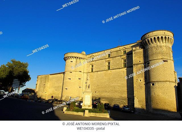 Castle, Gordes, Vaucluse, Provence-Alpes-Côte d'Azur, France