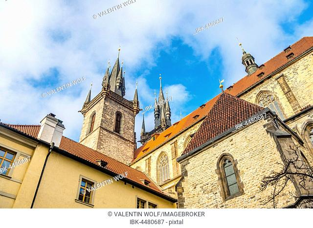 Tyn Church, Old Town Square, historic centre, Prague, Bohemia, Czech Republic