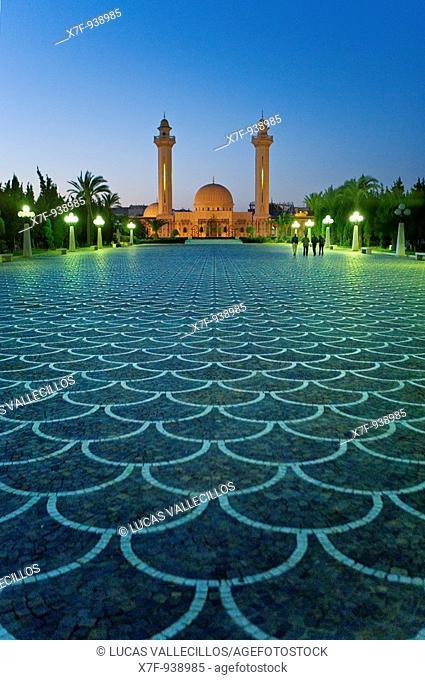 Tunez: Monastir Bourghiba Mausoleum