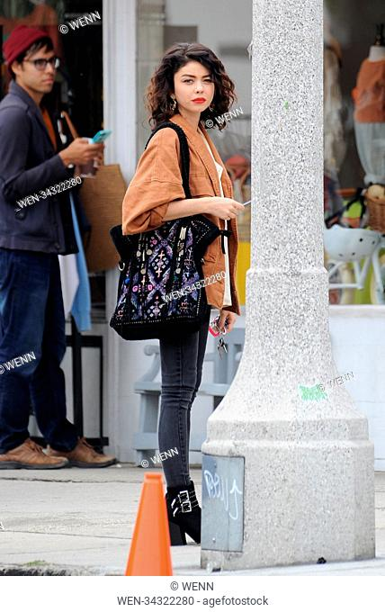 """Sarah Hyland spotted filming scenes for her upcoming comedy movie """"""""The Wedding Year"""""""" in Los Angeles with co star Anna Camp"""