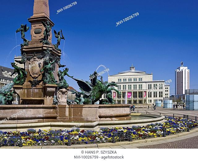 Augustusplatz, Mende Fountain with Opera and Wintergarten skyscraper, Leipzig, Saxony, Germany