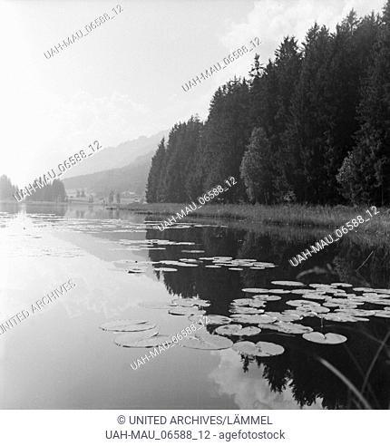 Ein Ausflug zum Schwarzsee bei Kitzbühel in Tirol, Deutsches Reich 1930er Jahre. A trip to lake Schwarzsee near Kitzbühel in Tyrol, Germany 1930s