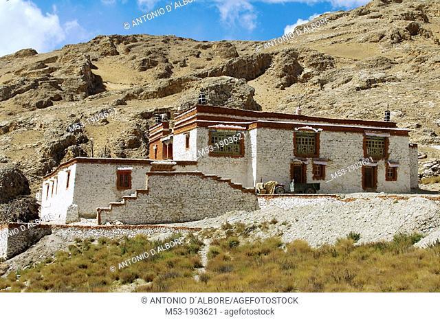 estenal view of the zhalu gompa  shigatze prefecture  tibet  china  asia