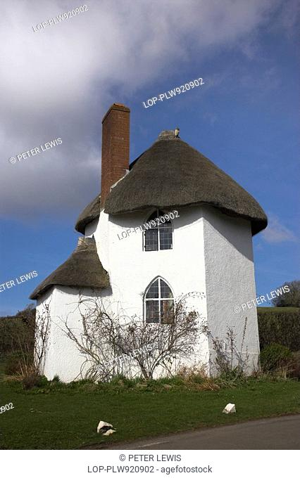 The Round House at Stanton Drew near Bristol in Somerset is a white thatched 15th century house, which became a Toll House in the 18th century when turnpikes...