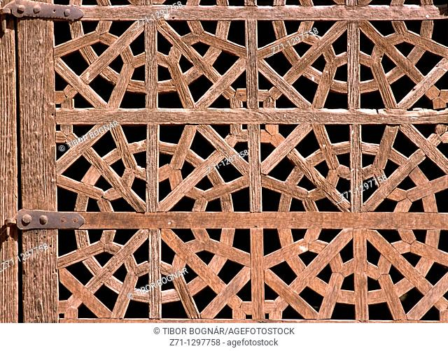 Iran, Esfahan province, Abyaneh, lattice window