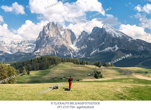 Alpe di Siusi/Seiser Alm, Dolomites, South Tyrol, Italy. Photographers on the Alpe di Siusi/Seiser Alm