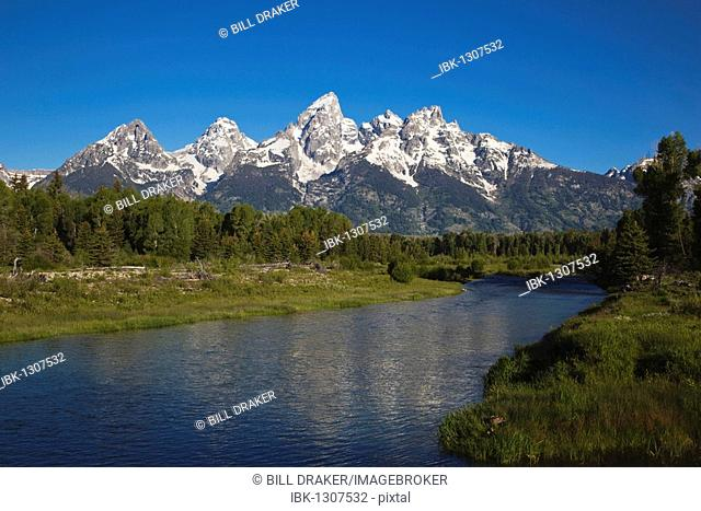 Teton Range and Snake river, Schwabacher Landing, Grand Teton National Park, Wyoming, USA