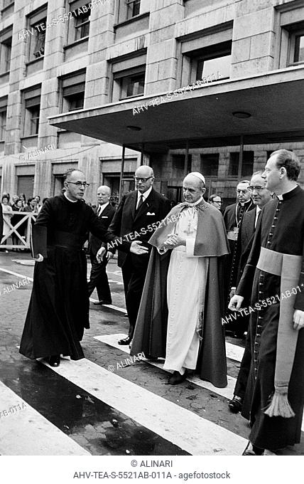 Pope Paul VI with Cardinal Giuseppe Paupini during a visit to the Palace of the FAO in Rome, shot 1963-1978 by Fiori, Franco