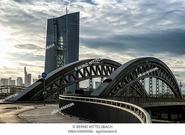 Germany, Hesse, Frankfurt am Main, construction of the European Central Bank with Osthafenbrücke (east harbour bridge) and skyline