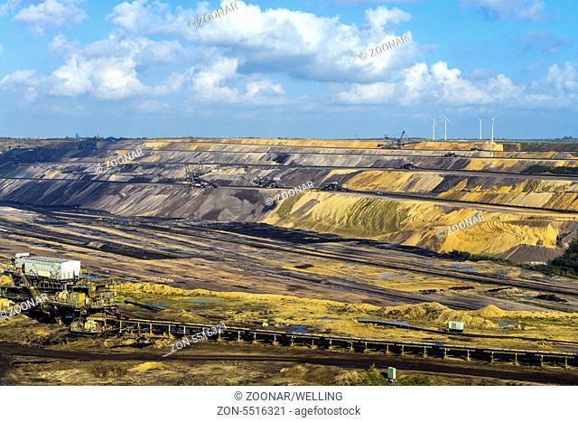 Braunkohletagebau Garzweiler II bei Juechen, Nordrhein-Westfalen, Deutschland, Europa | Brown coal opencast mining Garzweiler 2 near Juechen