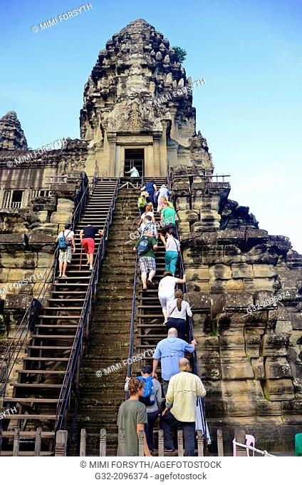People climb to level 2 to sightsee, Angkor Wat, Cambodia