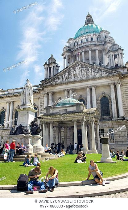 Lunch break, Belfast City Hall  One of the finest Classical Renaissance buildings in Europe  Home to Belfast City Council