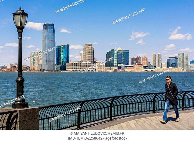 United States, New York, Manhattan, Robert F. Wagner Junior Park, Esplanade, promenade along the Hudson River to Jersey City to the bottom