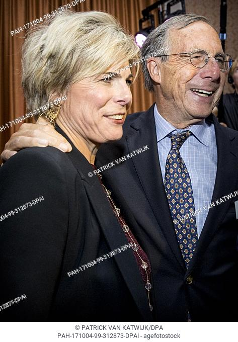 Prinsess Laurentien of The Netherlands, together with her parents Laurens Jan en Jantien Brinkhorst, during the award ceremony of the most influential player in...