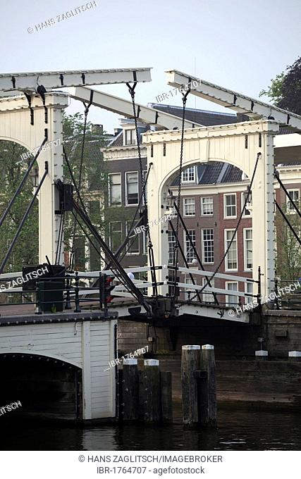 Magere Brug bridge over the Amstel river, Amsterdam, Holland, Netherlands, Europe