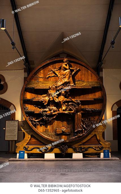 France, Marne, Champagne Ardenne, Reims, Pommery champagne winery, huge champagne cask