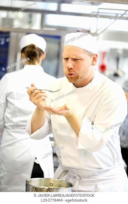 Chef trying food, Cook in cooking school, Cuisine School, Donostia, San Sebastian, Gipuzkoa, Basque Country, Spain, Europe