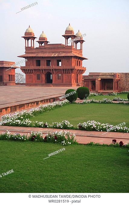 Diwan-e-Khas at Panch Mahal in Fatehpur Sikri built during second half of 16th century , Agra, Uttar Pradesh , India UNESCO World Heritage Site