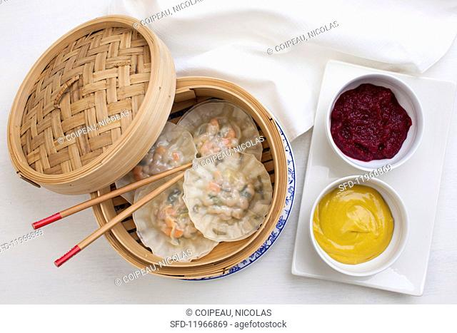Steamed dumplings with pork (China)