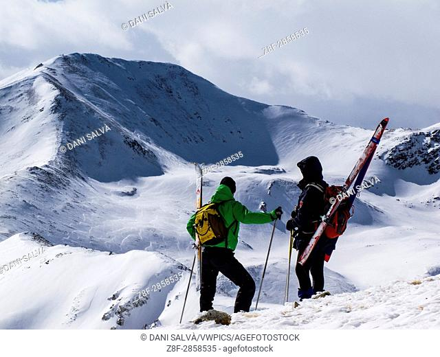 Ski-mountaineering in the eastern Pyrenees
