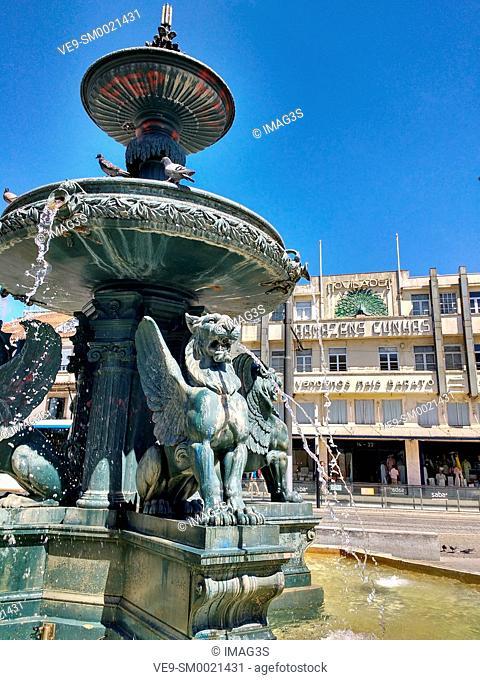 Fonte dos Leões, Praça de Gomes Teixeira, Porto, Portugal