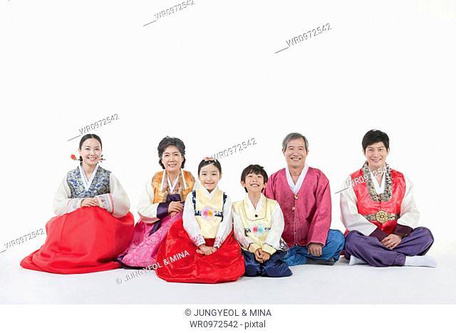 a40d76b3b Mother daughter chuseok Stock Photos and Images | age fotostock