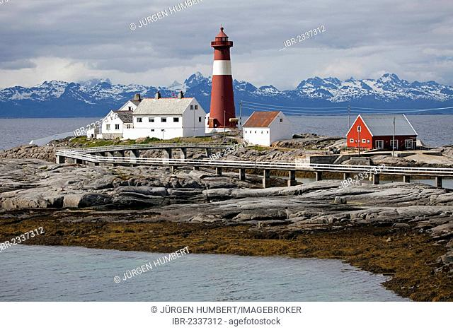 Tranoey Fyr, Tranøy Fyr Lighthouse, Lofoten at back, Hamaroey, Hamarøy, Vestfjord, Nordland, Norway, Scandinavia, Europe