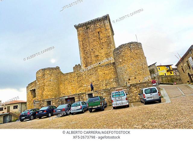 Castle of los Zúñiga, 14th-15th century, National Monument, Medieval Town, Miranda del Castañar, Salamanca, Castilla y León, Spain, Europe