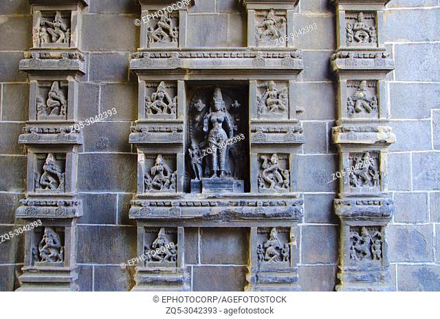 Carved dancing idols on the Gopuram of Nataraja Temple, Chidambaram, Tamil Nadu, India. Hindu temple dedicated to Nataraj. Shiva as the lord of dance