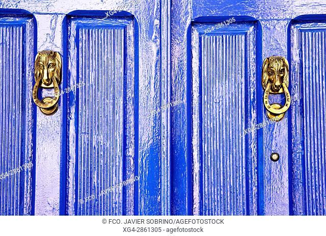 Detalle de una puerta en una casa de Almagro - Ciudad Real - Castilla La Mancha - España - Europa
