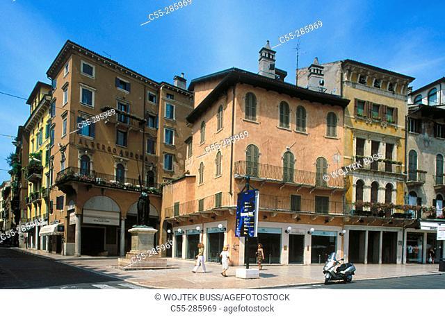 Signori Square (Piazza dei Signori). Verona. Veneto, Italy