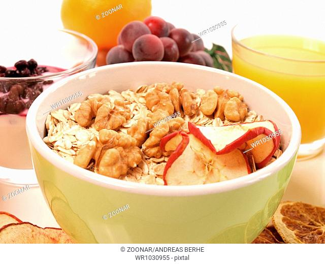 Healthy eating with muesli