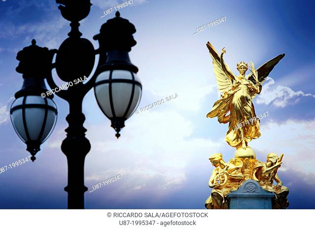 England, London, Buckingham Palace, Queen Victoria Memorial, Nike statue Goddess of Victory