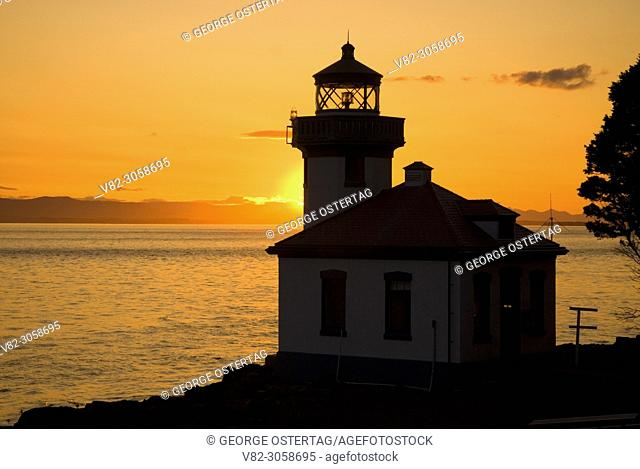 Lime Kiln Lighthouse sunset, Lime Kiln Pt State Park, Washington