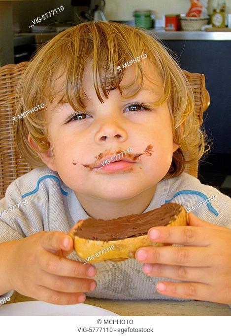 Ein keiner Junge mit Nutella-Bart, 2006 - Germany, 12/10/2006