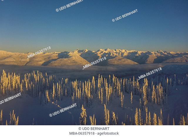 Canada, Canadian Rocky Mountains, British Columbia (BC), Revelstoke, CMH-Heliskiing in the Revelstoke Mountain Resort Selkirks and Monashees