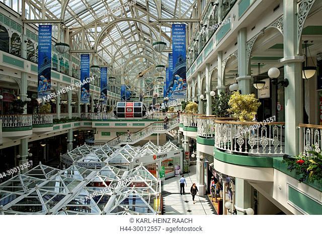 Irland, Dublin, Stephen's Green Shopping Center, Grafton Street