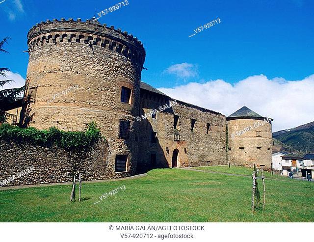Castle. Villafranca del Bierzo, León province, Castilla Leon, Spain